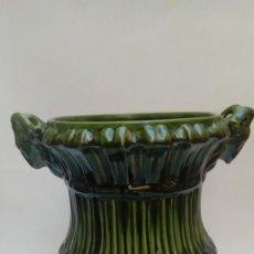 Antigüedades: MACETERO DE CERAMICA MAYOLICA-. Lote 225964176