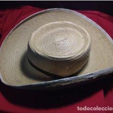 Antigüedades: SOMBRERO HOJA DE PALMA VAQUERO.. Lote 225978728