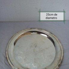 Antigüedades: PRECIOSO PLATO DE METAL ESPEJO.. Lote 225989990