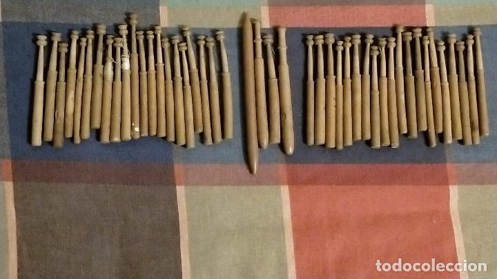 LOTE DE 45 BOLILLOS TORNEADOS (Antigüedades - Hogar y Decoración - Otros)