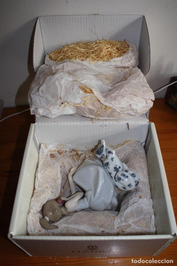 PORCELANA LLADRO DE CHICA POR TELÉFONO - NUEVA EN CAJA (Antigüedades - Porcelanas y Cerámicas - Lladró)
