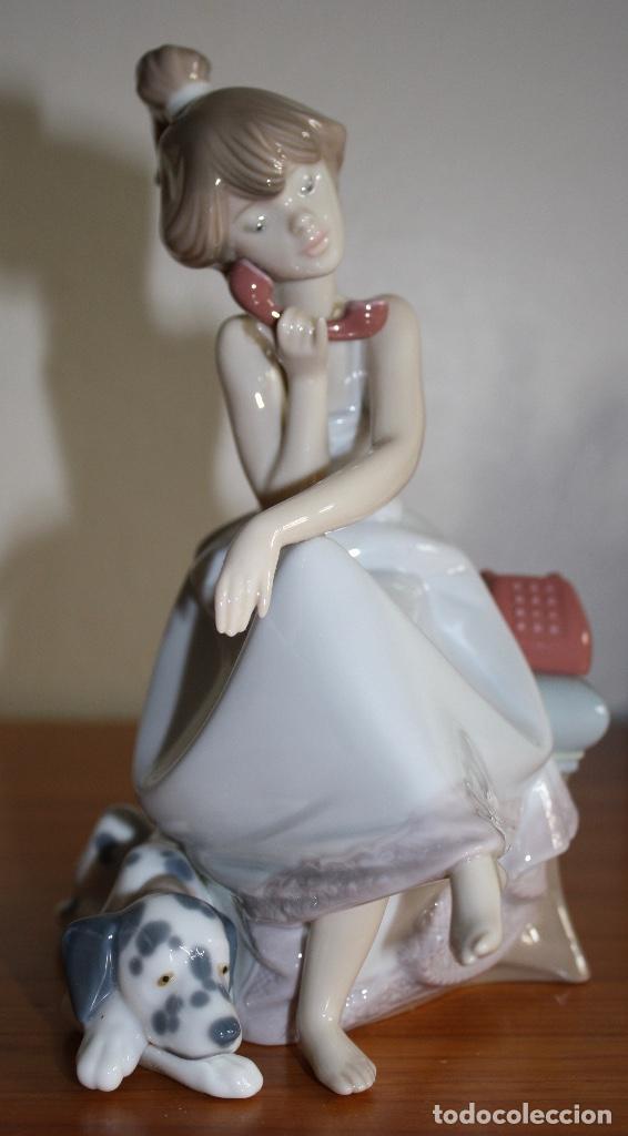 Antigüedades: Porcelana Lladro de chica por teléfono - nueva en caja - Foto 2 - 226125178