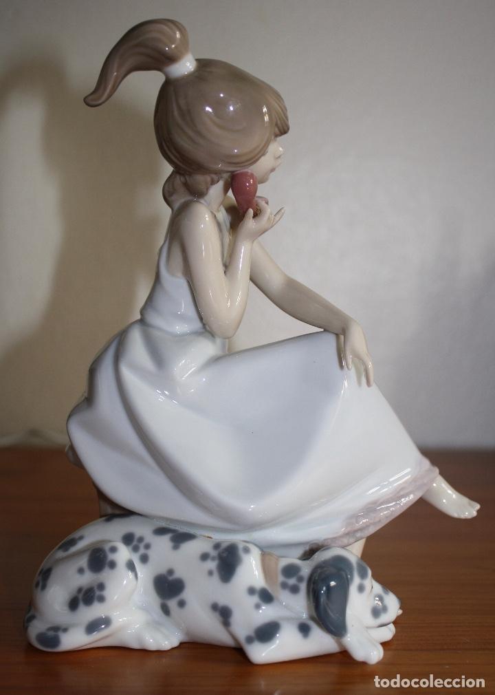 Antigüedades: Porcelana Lladro de chica por teléfono - nueva en caja - Foto 5 - 226125178