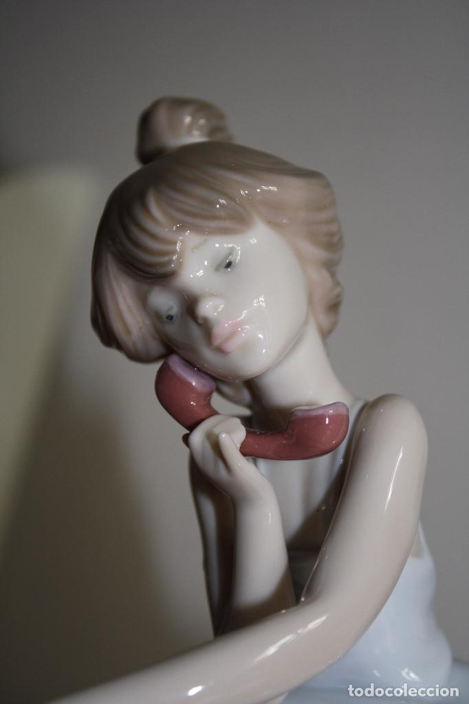 Antigüedades: Porcelana Lladro de chica por teléfono - nueva en caja - Foto 7 - 226125178