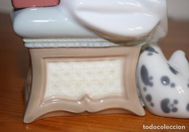 Antigüedades: Porcelana Lladro de chica por teléfono - nueva en caja - Foto 11 - 226125178