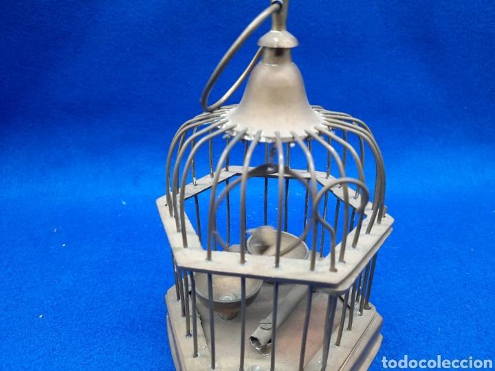 Antigüedades: Preciosa jaula de bronce con pájaro - Foto 2 - 226132315
