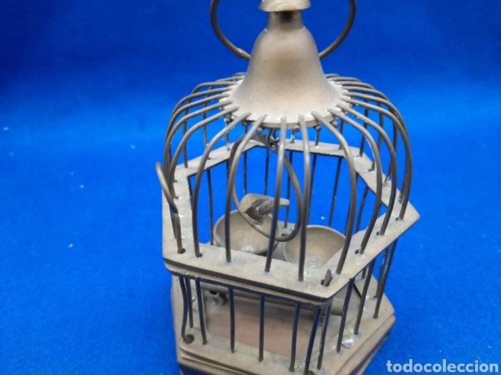 Antigüedades: Preciosa jaula de bronce con pájaro - Foto 5 - 226132315