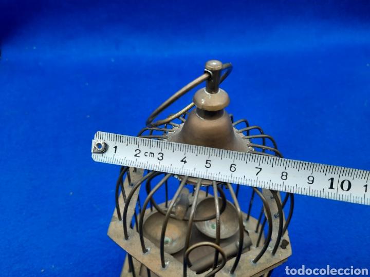 Antigüedades: Preciosa jaula de bronce con pájaro - Foto 9 - 226132315
