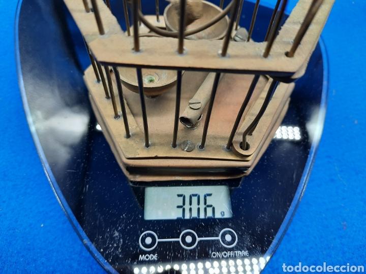 Antigüedades: Preciosa jaula de bronce con pájaro - Foto 10 - 226132315