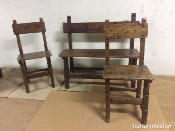 BANCO Y 2 SILLAS ESTILO CASTELLANO (Antigüedades - Muebles Antiguos - Sillas Antiguas)