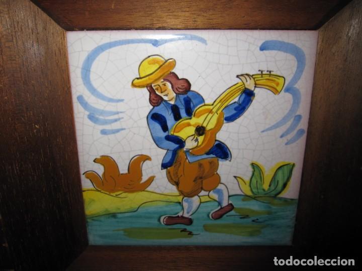 Antigüedades: Antiguo azulejo Trovador pintado artesano - Foto 4 - 226240455