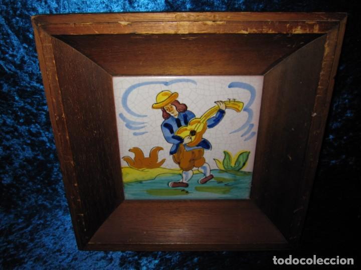 Antigüedades: Antiguo azulejo Trovador pintado artesano - Foto 6 - 226240455