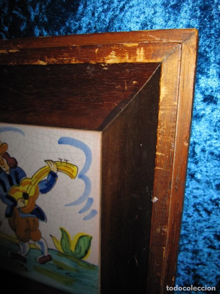Antigüedades: Antiguo azulejo Trovador pintado artesano - Foto 9 - 226240455