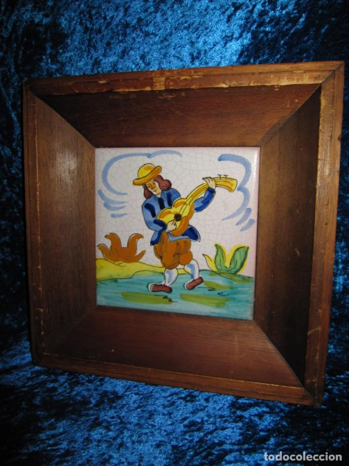 Antigüedades: Antiguo azulejo Trovador pintado artesano - Foto 10 - 226240455