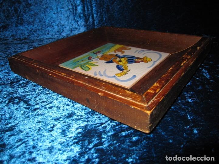Antigüedades: Antiguo azulejo Trovador pintado artesano - Foto 13 - 226240455
