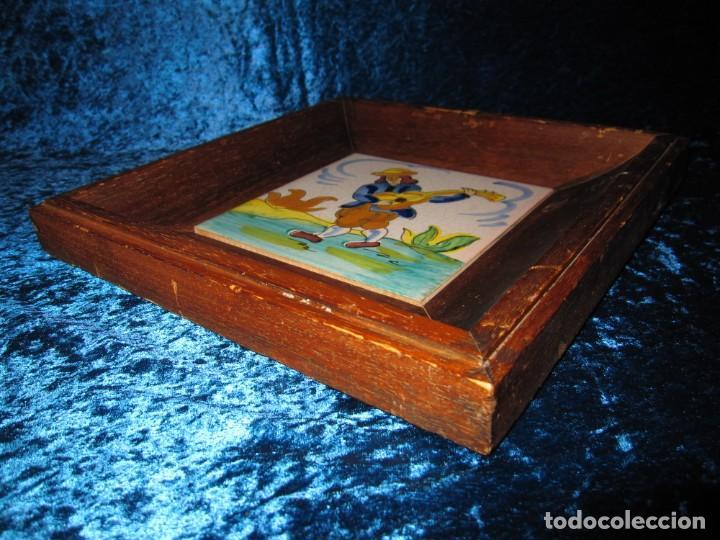 Antigüedades: Antiguo azulejo Trovador pintado artesano - Foto 14 - 226240455