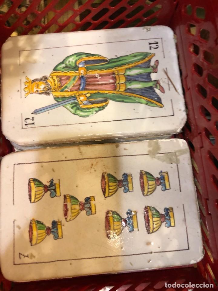 Antigüedades: 11 AZULEJOS EN FORMA DE NAIPE PINTADOS A MANO - Foto 5 - 226297895