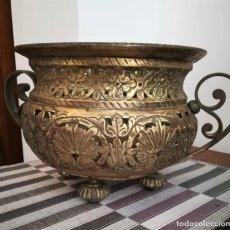 Antigüedades: MACETERO BRONCE Y LATÓN FINALES SXIX O PRINCIPIOS SXX. Lote 226356740