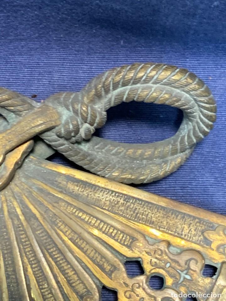 Antigüedades: MARCO FOTOS FORMA ABANICO BRONCE BORLAS SIN PATILLA TRASERA IDEAL PAIS ABANICO 28X47,5CMS - Foto 7 - 226359425