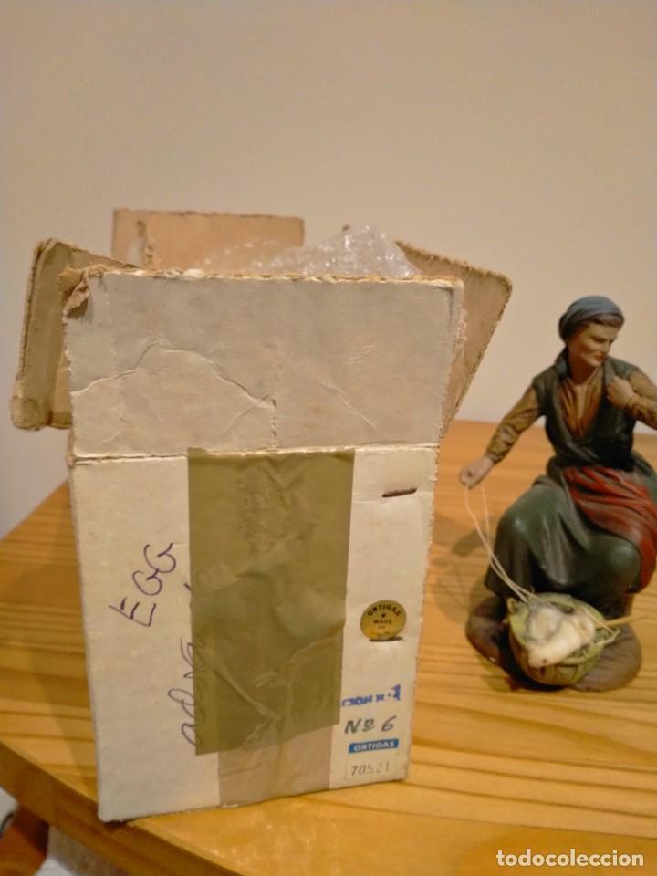 Antigüedades: Antigua exclusiva figura de pastora hilandera de Belén ortigas pesebre nacimiento navidad - Foto 4 - 226391281