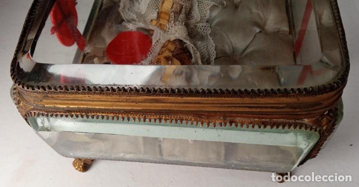 Antigüedades: RELICARIO - HUESO gran tamaño - SAN ISIDORO - LACRADO - EN PRECIOSA URNA - RELIQUIA - Foto 3 - 226454560