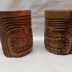 Antigüedades: JUEGO DOS JARRAS AUSTRALIANAS MACIZAS TALLADAS. Lote 226463295