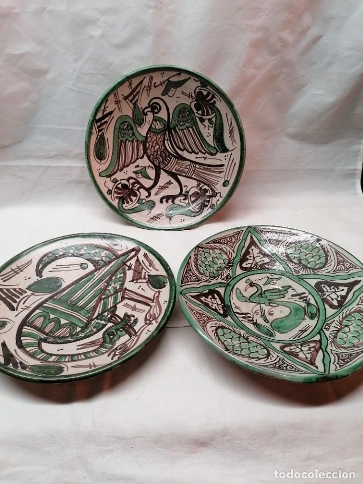 LOTE DE TRES PLATOS DE LA FIRMA PUNTER (Antigüedades - Porcelanas y Cerámicas - Teruel)