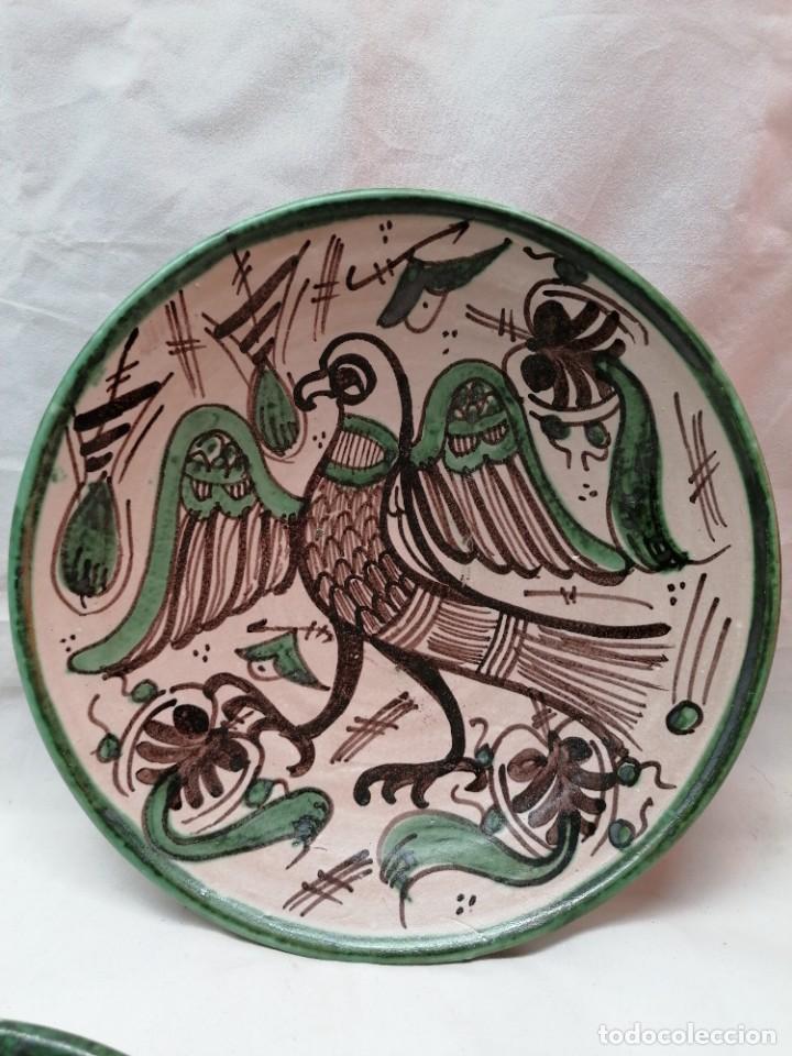 Antigüedades: Lote de tres platos de la firma Punter - Foto 2 - 226470205
