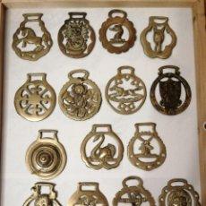 Antigüedades: 15 ADORNOS DE BRONCE PARA CORREAJE DE CABALLOS.. Lote 226692400