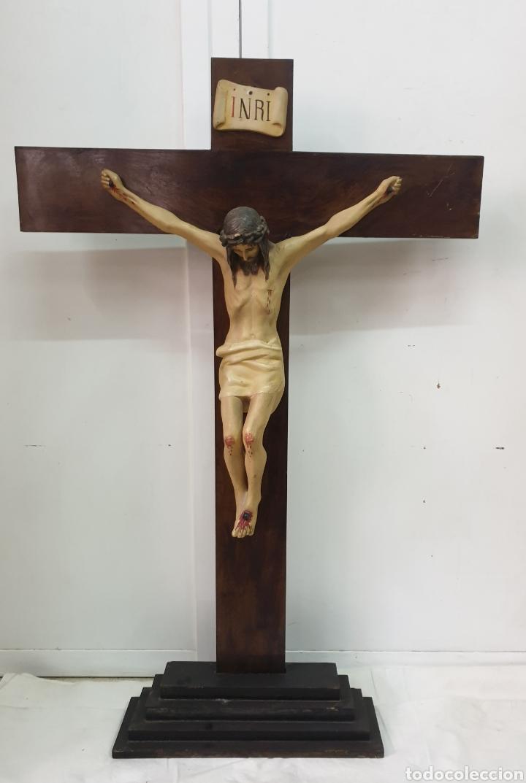 CRUCIFIJO DE ALTAR 124X80 (Antigüedades - Religiosas - Crucifijos Antiguos)