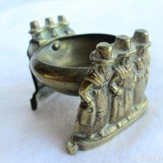 Antigüedades: QUEMADOR, INCENSARIO, PORTAVELAS EN BRONCE CON FIGURAS DE DAMAS TRADICIONALES DE GALES. Lote 226759525