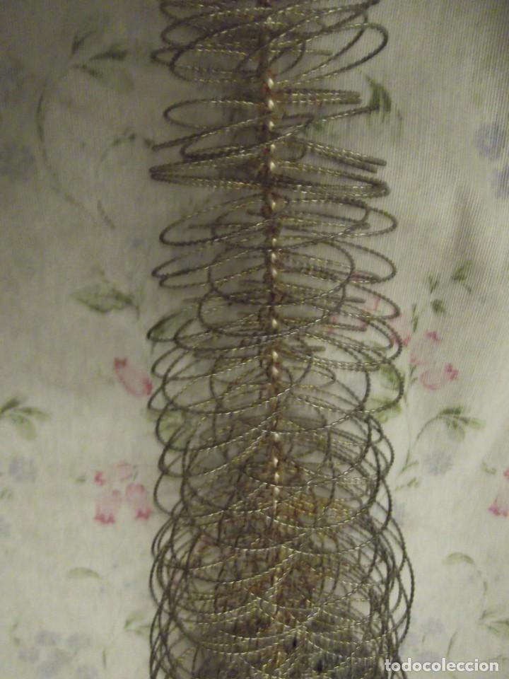 Antigüedades: Arbol de Navidad 40 cm , con estrella y base de madera plateada - Foto 4 - 226774470