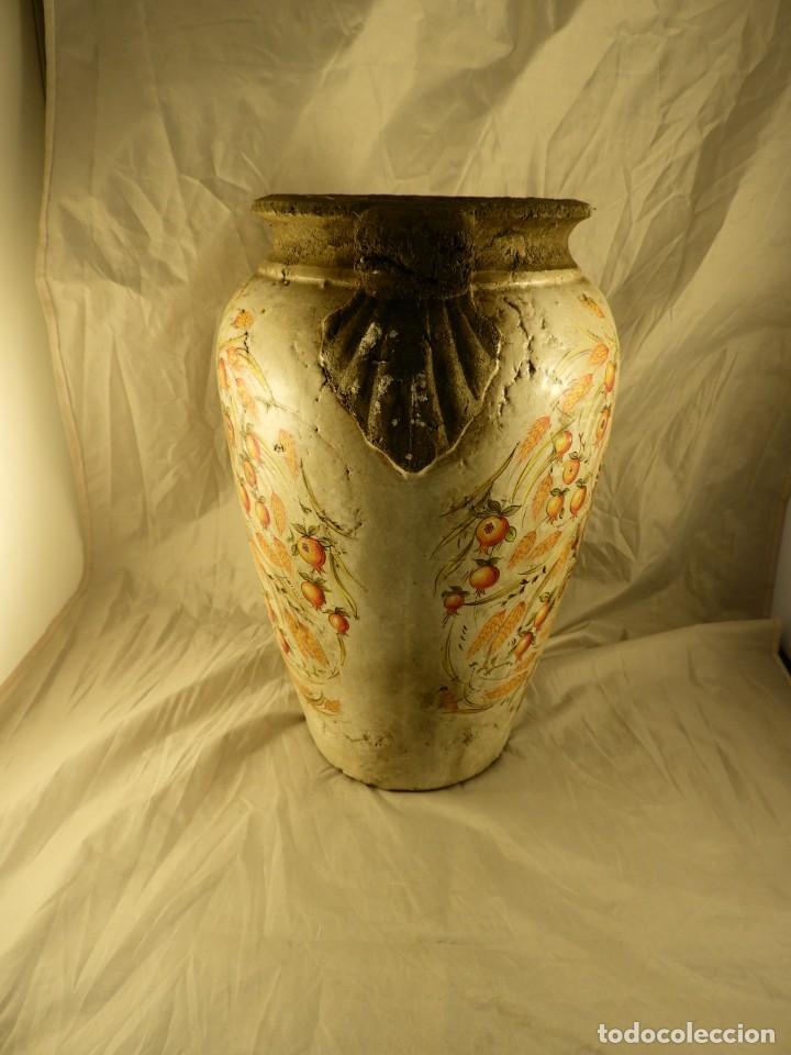 Antigüedades: JARRON DE TERRACOTA VIDRIADA CON ADORNOS DE ESPIGAS - Foto 3 - 251120800