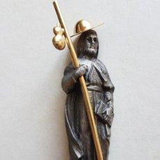 Antigüedades: SANTIAGO APOSTOL PEREGRINO ESTUTUILLA AÑOS 40 ORFEBRERIA. Lote 226832005