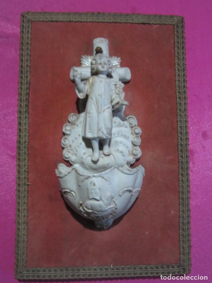 BENDITERA DE PORCELANA BISCUIT MUY BONITA Y ANTIGUA (Antigüedades - Religiosas - Benditeras)