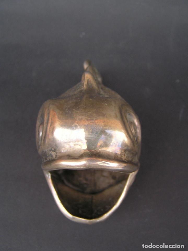Antigüedades: PEZ DE ALPACA. 11 cm.x 5,5 cm x 7 cm ( altura ). POUBELLE DE TABLE. - Foto 3 - 226879735