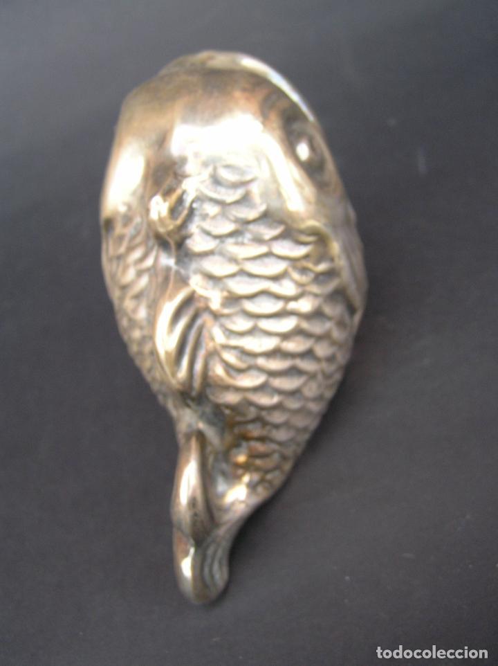 Antigüedades: PEZ DE ALPACA. 11 cm.x 5,5 cm x 7 cm ( altura ). POUBELLE DE TABLE. - Foto 6 - 226879735