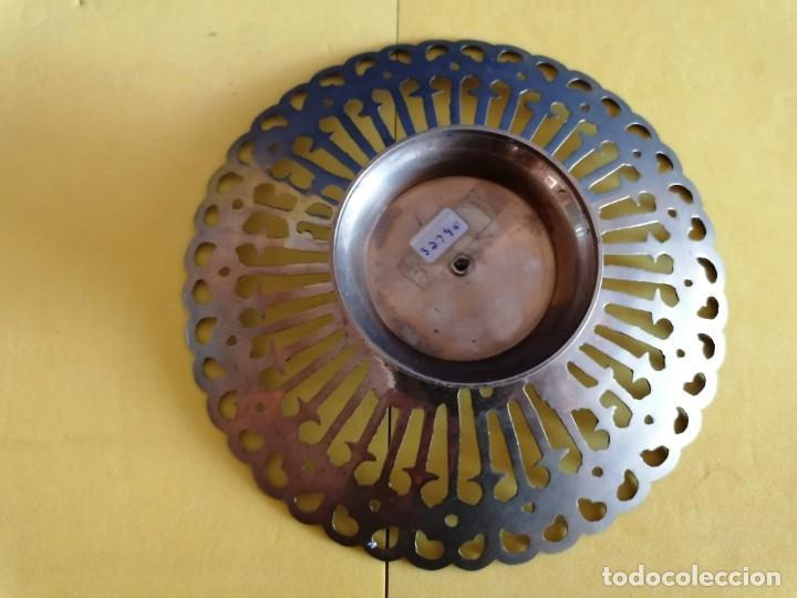 Antigüedades: PRECIOSA BANDEJA DE COBRE PINTADA A MANO AÑOS 70. MEDIDAS DE LA BASE 7 CM X ANCHO 17 CM - Foto 3 - 226883475