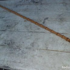 Antigüedades: MAGNIFICO BASTON FINALES SIGLO XIX EN BAMBU Y POMO DE PIÑA. Lote 226914860