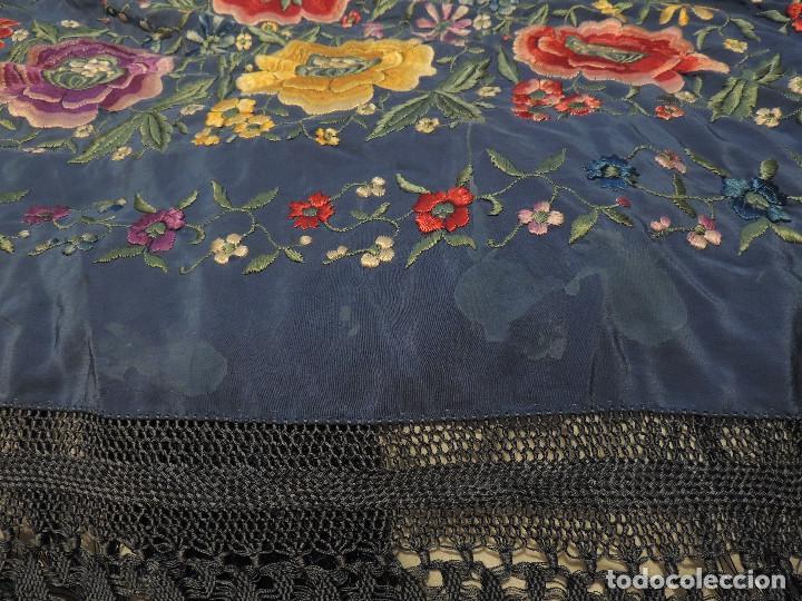 Antigüedades: Antiguo Mantón de Manila bordado a mano - Foto 9 - 226920875