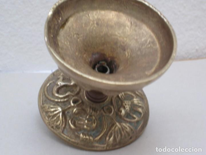 Antigüedades: Candelabro bronce. 420gr. - Foto 3 - 226953045