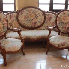 Antiquités: ANTIGUO TRESILLO, SOFÁ Y DOS SILLONES ISABELINOS.. Lote 226996555