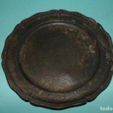 Antigüedades: PLATO DE ESTAÑO ANTIGUO ESPAÑOL. SPANISH ANTIQUE PEWTER PLATE.. Lote 227027530