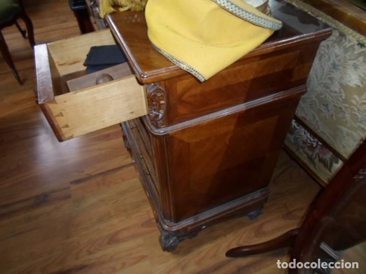 Antigüedades: Comoda Isabelina en nogal, con restos de policromia - Foto 8 - 27836272