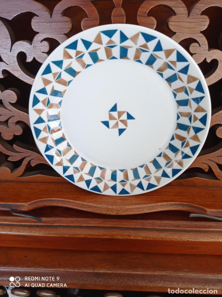 PLATO DE SARGADELOS, DE 20 CMS DE DIAMETRO. VER FOTOS (Antigüedades - Porcelanas y Cerámicas - Sargadelos)