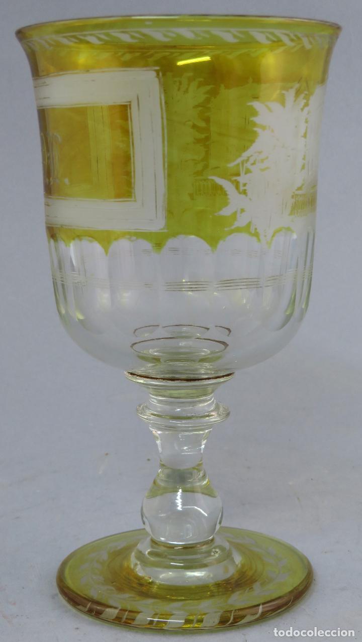 Antigüedades: Copa de cristal de La Granja transparente y ámbar con iniciales hacia 1900 - Foto 3 - 227127775