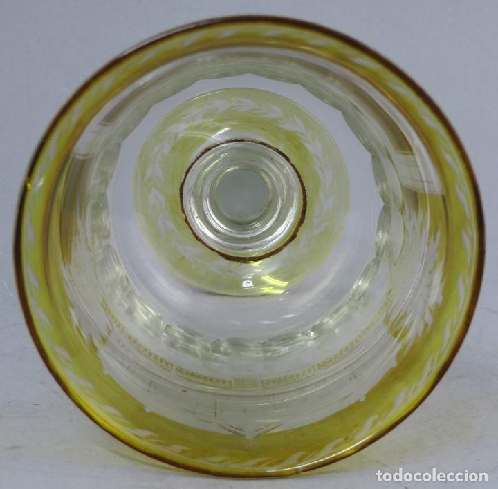 Antigüedades: Copa de cristal de La Granja transparente y ámbar con iniciales hacia 1900 - Foto 8 - 227127775