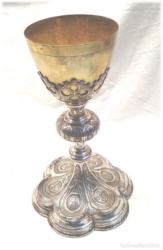 Antigüedades: Cáliz de Plata S XIX, cuño Rovira i Uriol Cinzelado y Labrado, buen estado. Med. 24 cm - Foto 3 - 227127955
