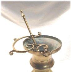 Antigüedades: ACETRE CON HISOPO S XIX QUERUBINES ANGELES DE BRONCE, COMPLETO TODO DE ORIGEN, BUEN ESTADO. Lote 227133685