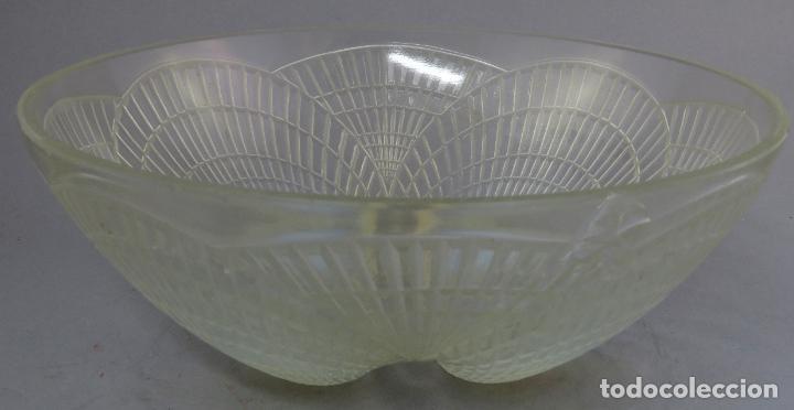 CUENCO VIDRIO OPALESCENTE RENE LALIQUE MODELO COQUILLES FIRMADO AL BURIL HACIA 1930 (Antigüedades - Cristal y Vidrio - Lalique )